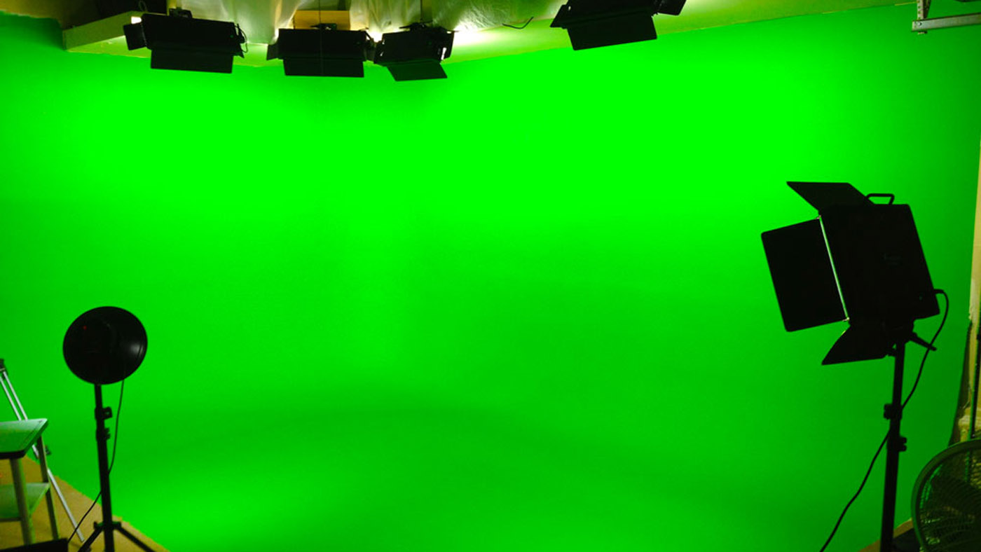 Chromakey: How To Use a Green Screen - Videomaker