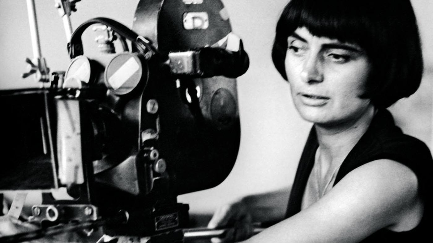 Agnès Varda filming