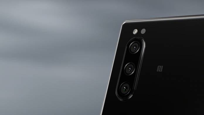 Sony's Xperia 5 takes after cameras in the Alpha line with Eye AF technology