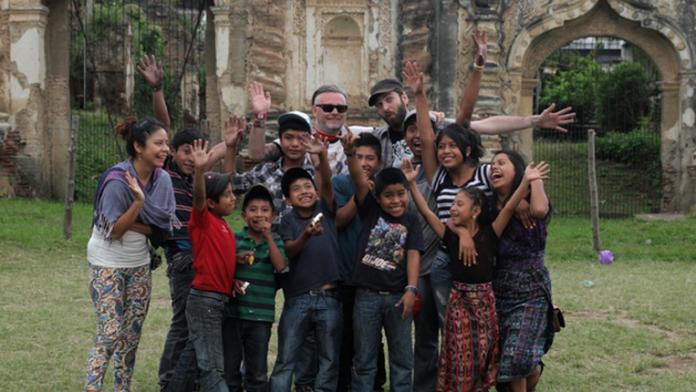 Director Ricardo Gaona (Parque Central) and Guatemalan shoe shine kids.