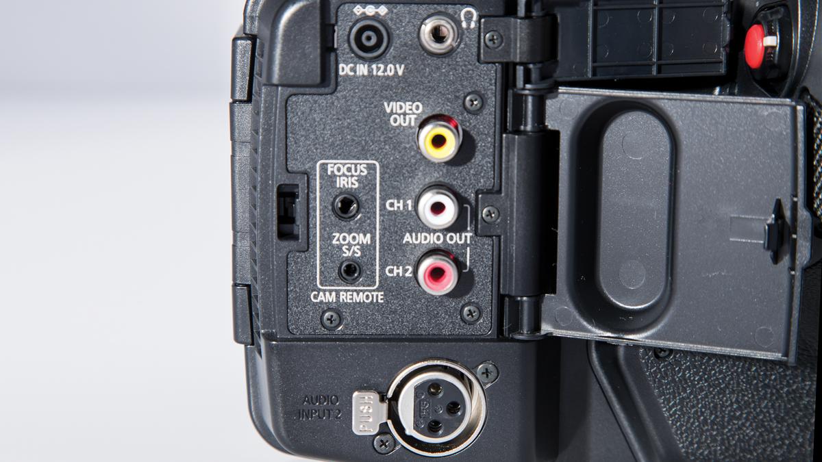 Jual Murah Weekend Deal Panasonic Hc V380 Gc Camcorder Black Terbaru Pierre Cardin Pc107551f03 Jam Tangan Pria Coklat Ring Gold X1 Review Videomaker Variety Of Inputs And Outputs