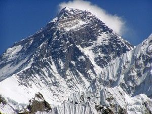 Scientists Mount Webcam on Mount Everest