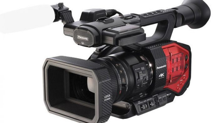 Panasonic's AG-DVX200 4K Handheld Four-Thirds Sensor Camcorder